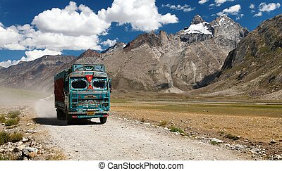 Colorful truck in Indian Himalayas - INDIA, LADAKH, CIRCA...