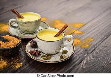 indian, ミルク, 飲みなさい, 伝統的である, ウコン