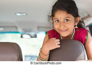 indian, 女の子, 自動車で