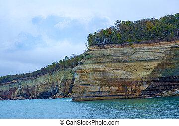 Indian Head Rocks - Indian Head Pictured Rocks near...