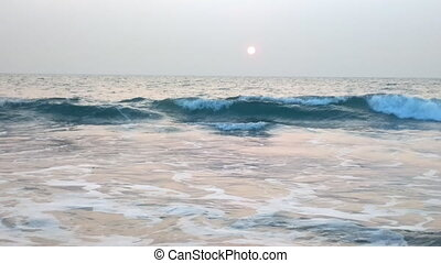 Indian ocean evening: lazy forward and clear disk of setting...