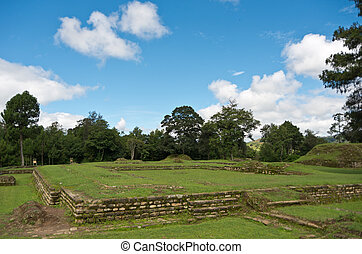 indian ruins - ruins of the iximche mayan indians in ...