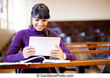 indianas, estudante universitário, usando, tabuleta,...