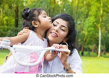 indiano, madre, insegnamento, figlia, ciclismo, a, il, parco