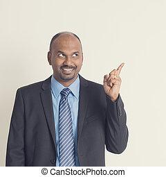 indien, businesspeople, pointage, quelque chose