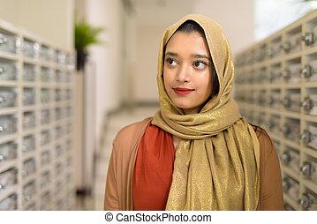 indien, jeune, musulman, femme, vérification, courrier, beau