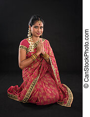 indio, niña, postura, saludo