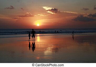 indio, océano de puesta de sol