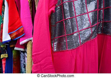 indisk, kvinnor, klänning, till salu, in, den, marknaden
