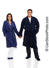 indisk, par, in, pyjamas, gårdsbruksenheten räcker