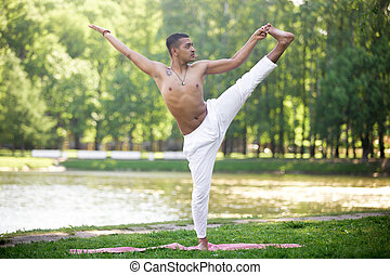 indisk, ung man, öva, yoga