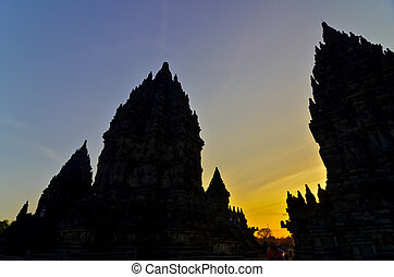 indonésie, silhouette, hindou, -, yogyakarta, dramatique, coucher soleil, prambanan., java, central, temple, ciel
