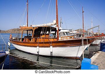 indulgence, yacht