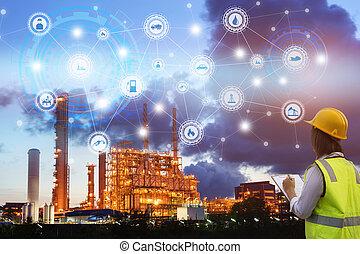 industria, 4.0, concepto, ingeniería, uso, portapapeles, con, verificar, y, industrial, iconos, en, refinería de petróleo, industria, ocaso, fondo.