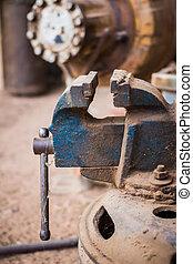 Industrial claw