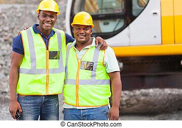Industrial, colegas trabalho