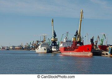 Industrial dock - Ships in an industrial dock