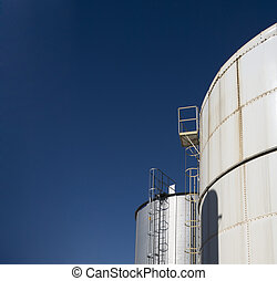 Industrial gas tank