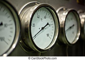 industrial, hidráulico, manómetro, en, el, fábrica
