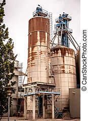 Industrial silos in a old rusty inviroment