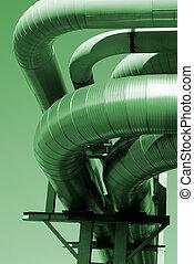industriel, canalisations, sur, pipe-bridge, contre, ciel bleu