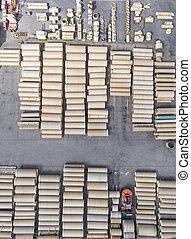 industriel, empilé, béton, canaux transmission, stockage, above., tubes., drainage, nouveau, place., construction., vue
