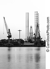 Industry - Drilling rig and cranes