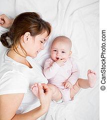 infante, ella, alegre, madre, bebé, juego