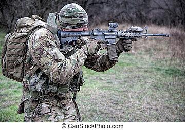 infantryman, célzás, verekszik, erdő, közben, karabély
