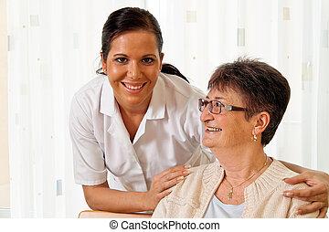 infermiera, in, invecchiato, cura, il, anziano, in, case...