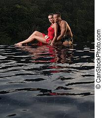 infinidade, par romântico, sozinha, piscina, natação