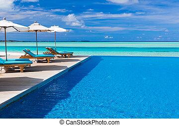 infinito, sillas de cubierta, encima, tropical, laguna, ...