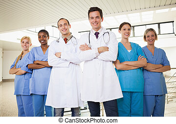 infirmières, armes traversés, médecins