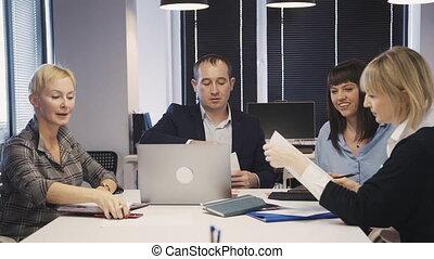 information, gens bureau, part, contrat, document
