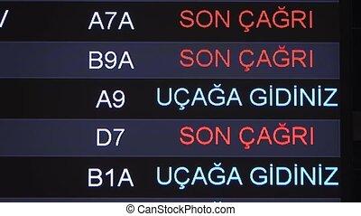 information, temps, nouveau, fin, embarquement, dernier, appeler, istanbul., exposer, anglaise, haut, aéroport, turc, table, inscription