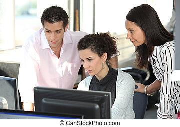informatique, bureau fonctionnant, personnel