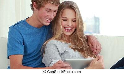 informatique, couple, utilisation, tablette, heureux
