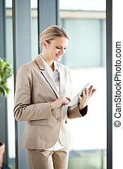informatique, femme affaires, tablette, utilisation