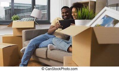 informatique, nouveau, tablette, couple heureux, pc, maison