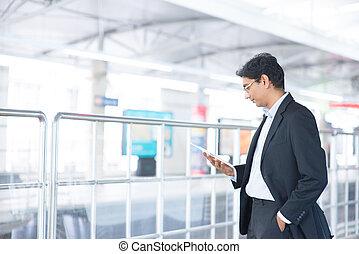 informatique, tablette, station, utilisation, ferroviaire, homme