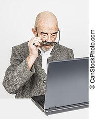 informatique, vieil homme