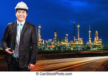 ingénierie, homme, et, raffinerie pétrole, plante, contre, beau, bleu, du