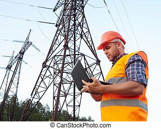 ingénieur, conversation, working., ordinateur portable, électrique, fonctionnement, téléphone