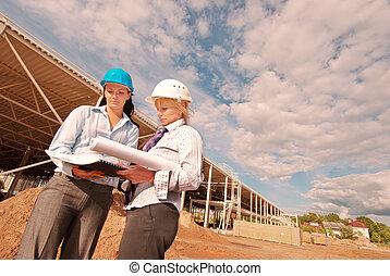 ingénieurs, construction, deux, site