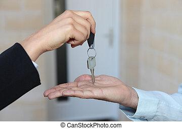 ingatlanügynök, épület, kezelő, kulcsok, felett