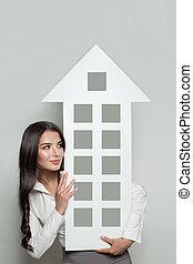 ingatlan tulajdon, biztosítás, oltalom, és, ingatlan, eladó, concept., mosolygós, ügy woman, kiállítás, épület, transzparens, háttér