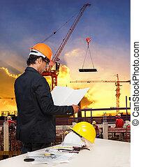 ingeniería, hombre, trabajando, en, construcción edificio,...