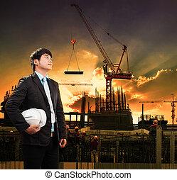 ingeniería, hombre, y, casco de seguridad, posición, contra, grúa, constru