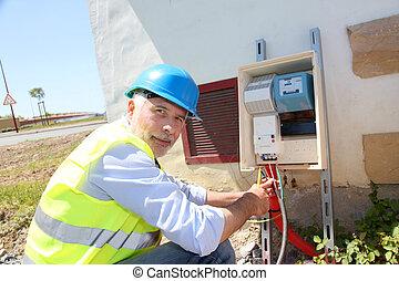ingeniero eléctrico, en, solar