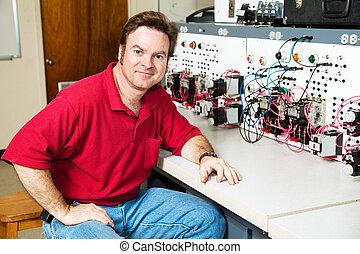 ingeniero, en, motor, centro control